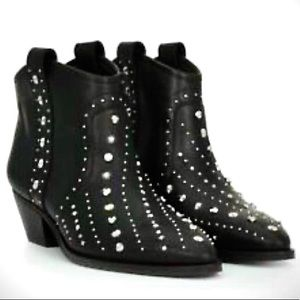 New Sam Edelman butter soft leather studded boots